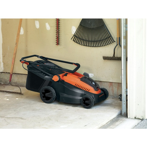comes with the BLACK & DECKER CLM3820L2