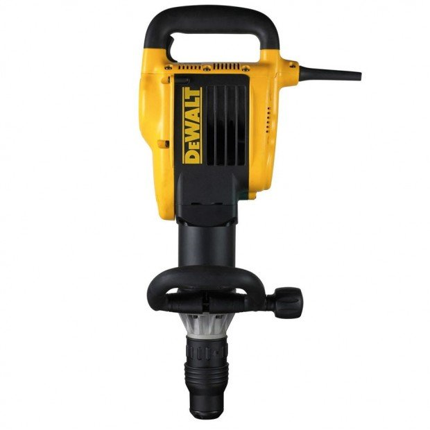 comes with the DEWALT D25899K