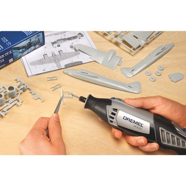 comes with the DREMEL 4000 1/45 F0134000JB