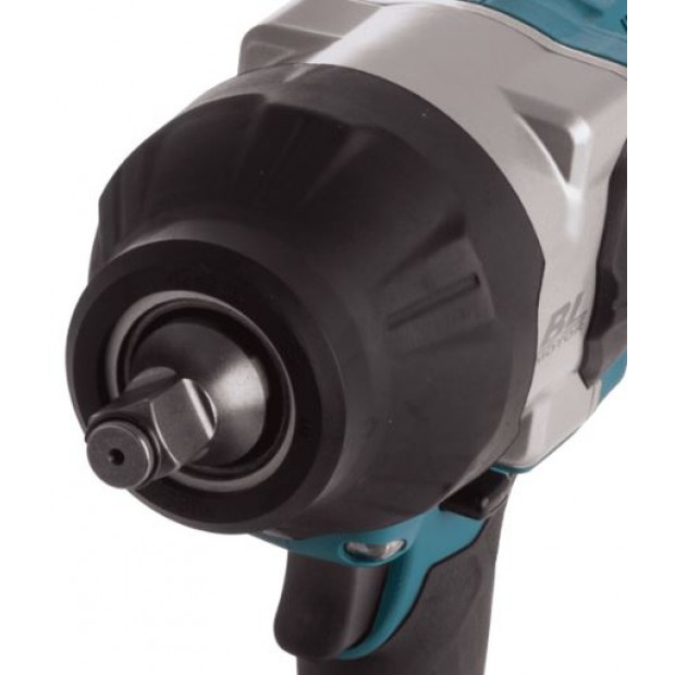 comes with the MAKITA DTW1002Z