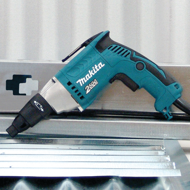 comes with the MAKITA FS2500