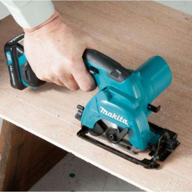 comes with the MAKITA HS301DWAE