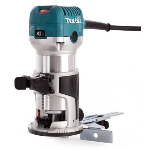 comes with the MAKITA RT0700CX4