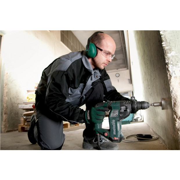 comes with the METABO KHE3251